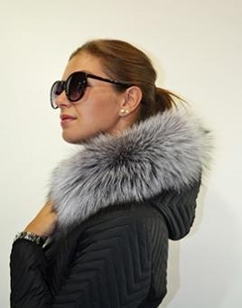 Kožešinové lemy na kapuci